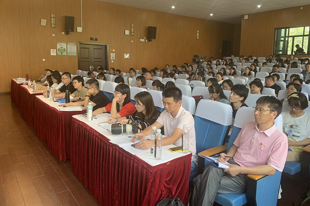 上外尚阳学校:筑信念之梦 夯专业之实