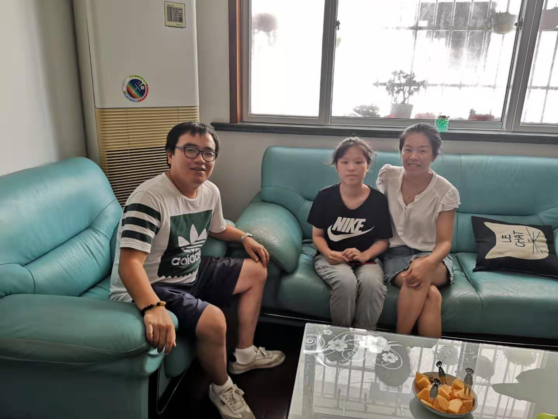 曙光中学高二年级部组织开展暑期家访活动