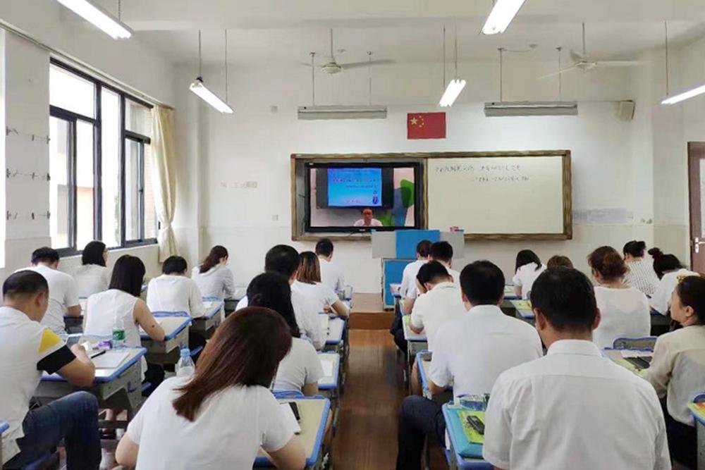 上外尚阳学校:多彩假期展风尚 诸育融合求发展