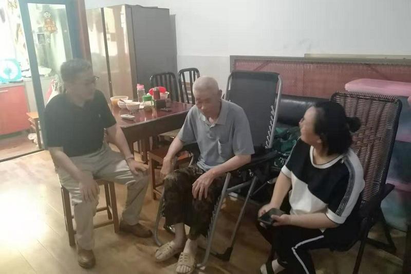 """曙光中学开展""""八一建军节""""慰问活动"""