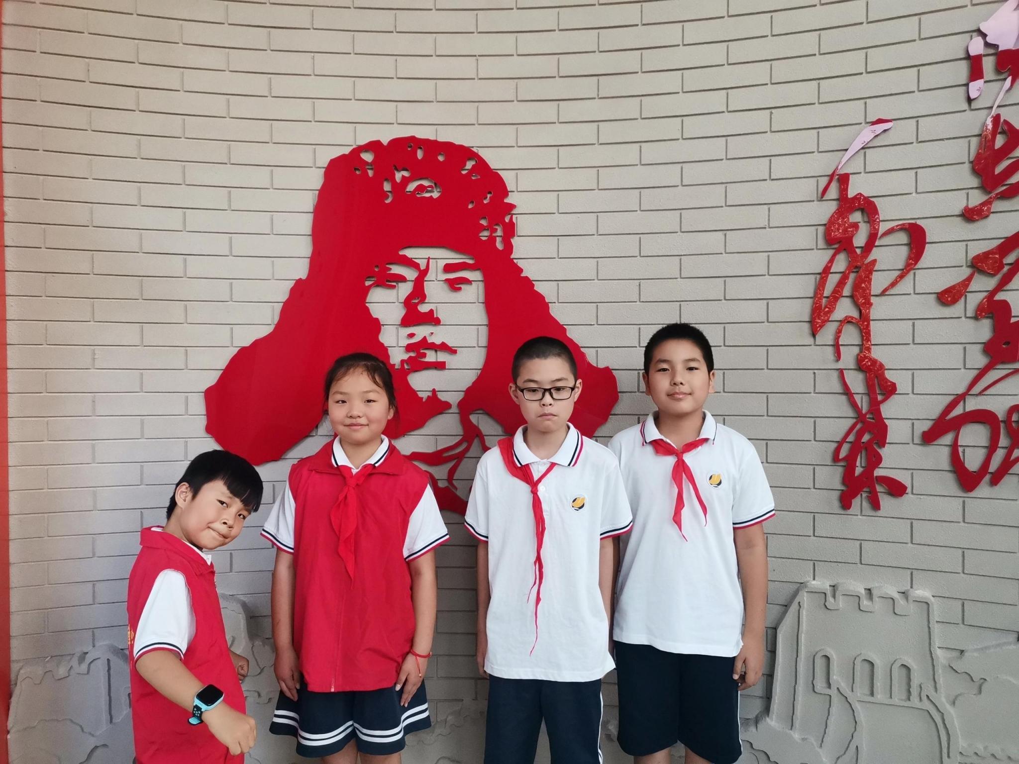 朱泾小学:小小志愿 学习雷锋