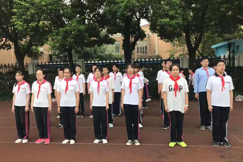 洛川学校开展2019年九年级军训