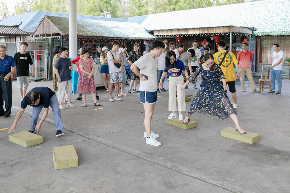 朱泾小学举行庆祝2019年教师节、中秋节活动