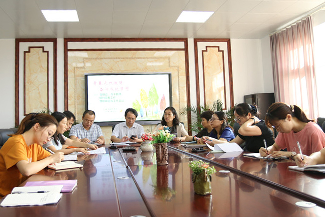 钱圩中学召开青研会、骨干教师、结对带教暨新闻宣传工作会议