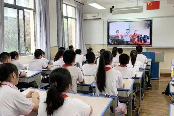 梅陇中学举行2019学年第一学期开学典礼