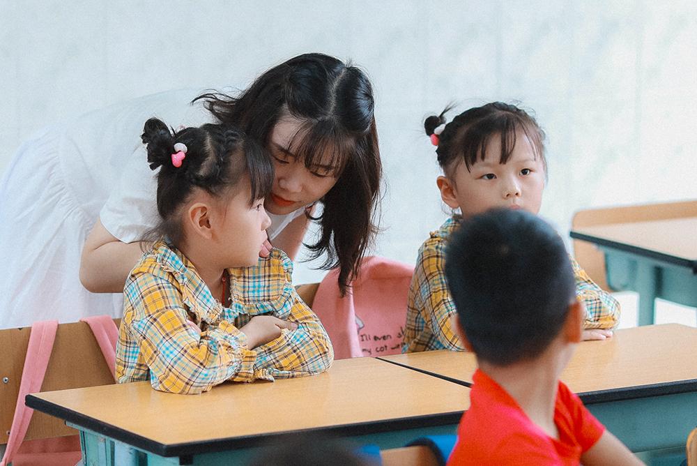 朱泾小学:萌娃初体验 入学乐趣多