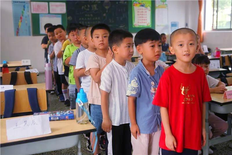 钱圩小学:小学生活初体验 家校合作促成长