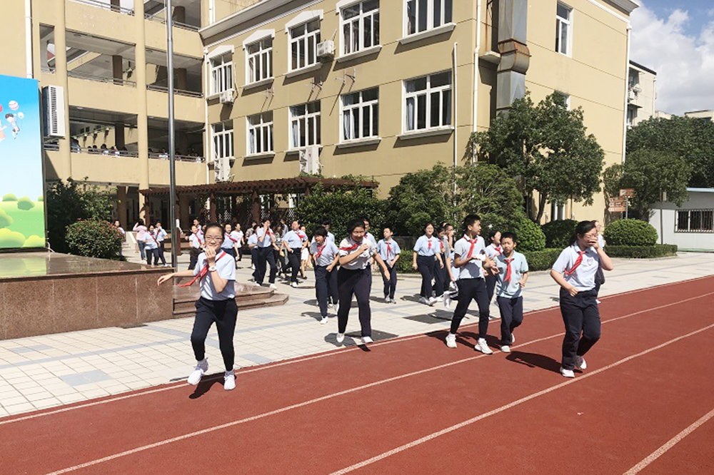 上外尚阳学校:赞颂辉煌成就 推进人防发展
