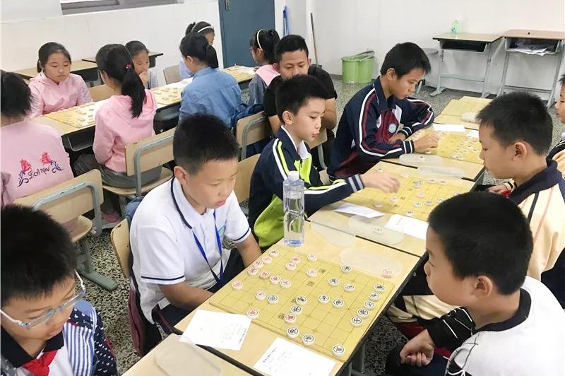 2019年金山区学生阳光体育大联赛中国象棋比赛在钱圩小学举行