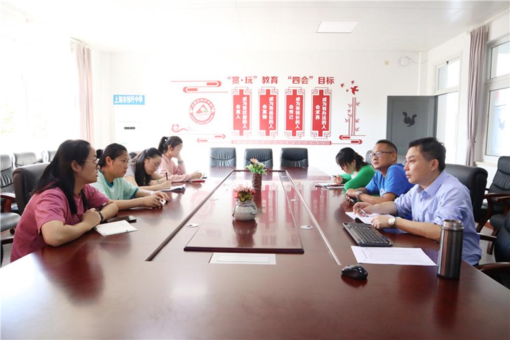 钱圩中学音体美教研组开展本学期计划交流活动
