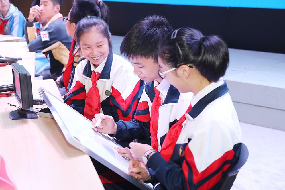 学健康知识,享幸福生活——沪举办青少年健康教育主题活动初中组知识竞赛