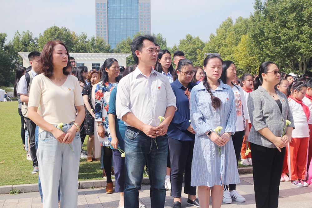 洛川学校:寻访革命足迹 传承红色基因