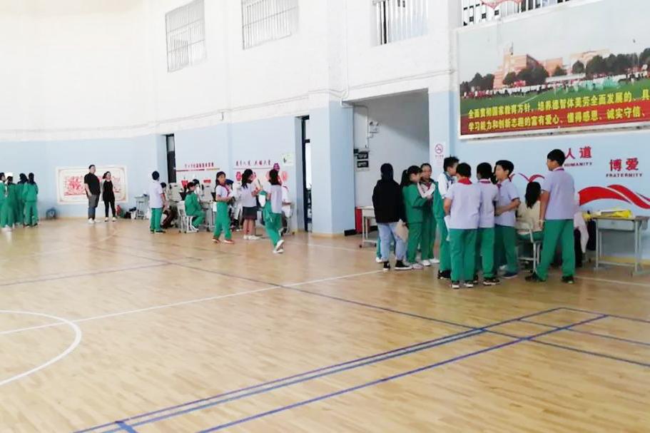 廊下中学:关注心理健康 乐享健康生活