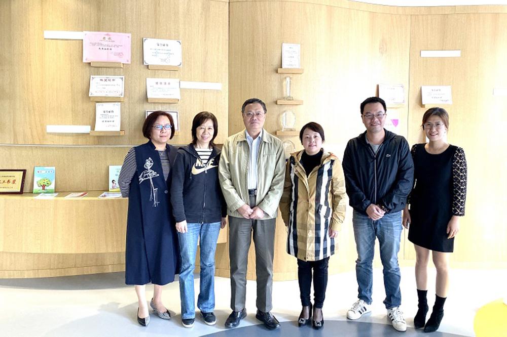 上外尚阳学校接受上海市书香校园建设实地调研