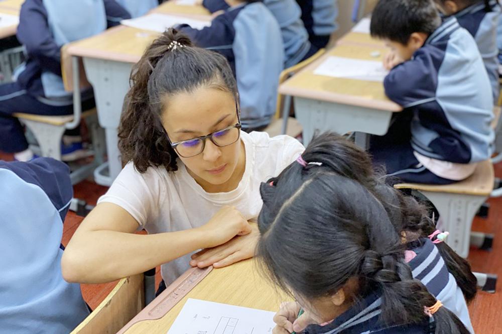 """联建小学:取""""经""""数学促发展 中英交流共融合"""