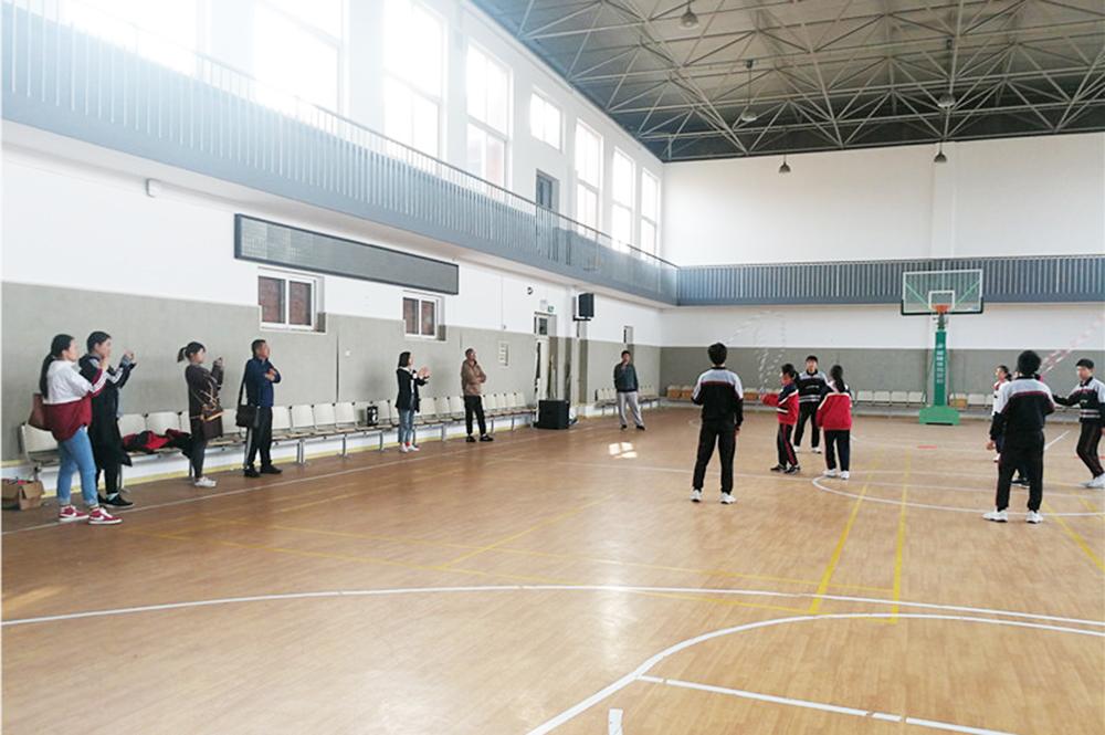 嘉定区民族体育工作室到钱圩中学进行交流研讨