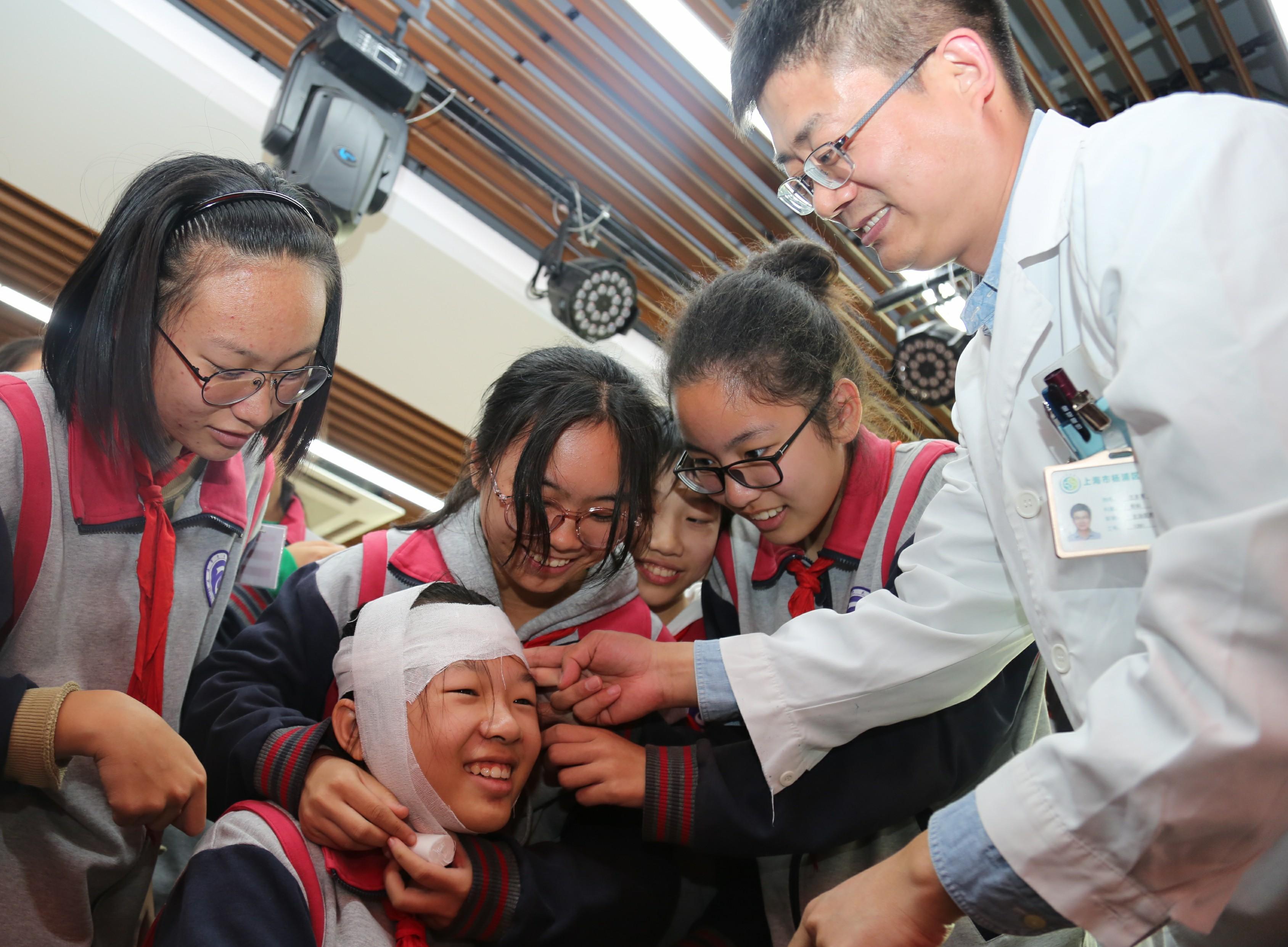 """积极宣教保健康,上海学校扎紧传染病防控""""篱笆"""""""