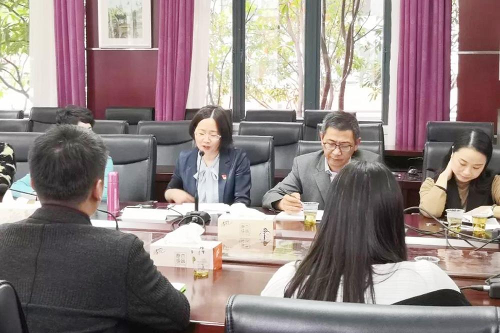 奉贤区教育系统党支部书记专题研讨会在奉贤中学举行