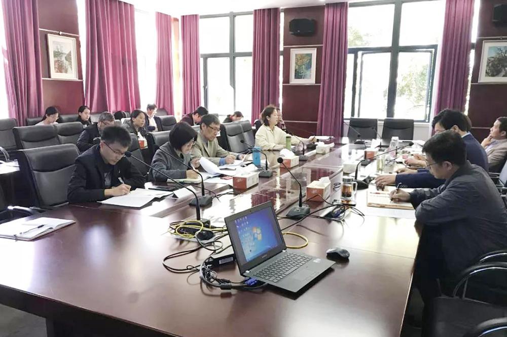 奉贤中学召开各中心级部期中工作交流会议