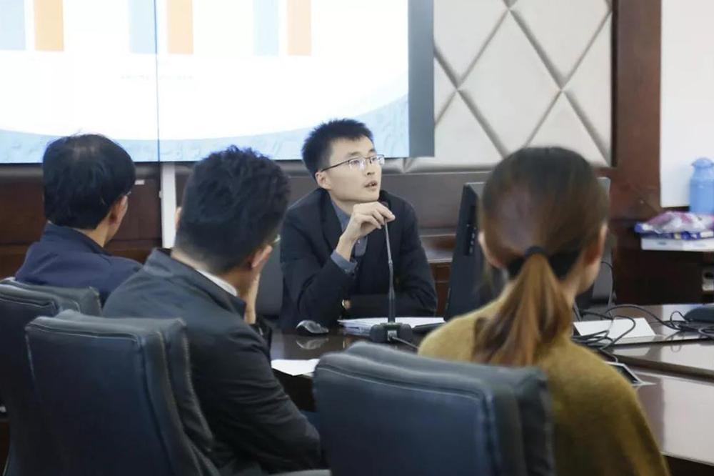 奉贤中学各年级召开期中考试质量分析会