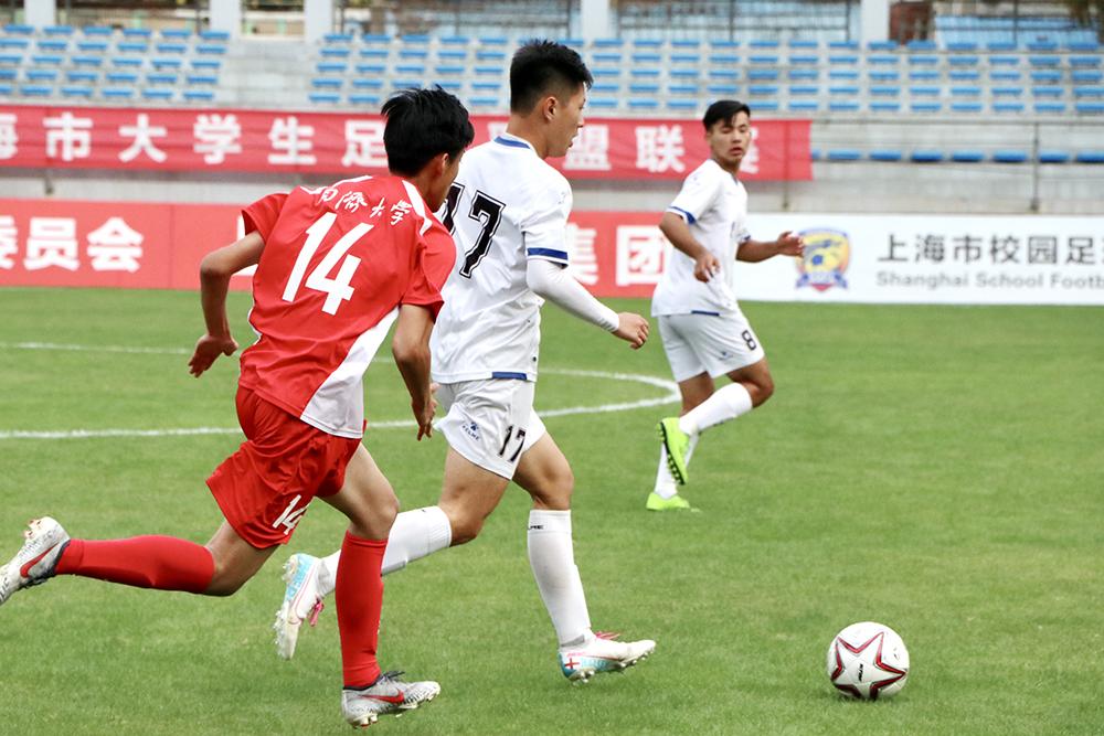 今天报道我们的绿茵 明天奔向世界的赛场——上海市校园足球联盟学生记者观球记录