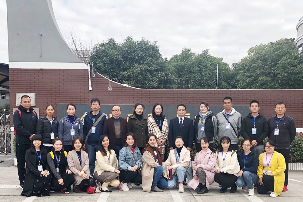 广西南宁经济技术开发区图音体骨干教师到张堰小学参观