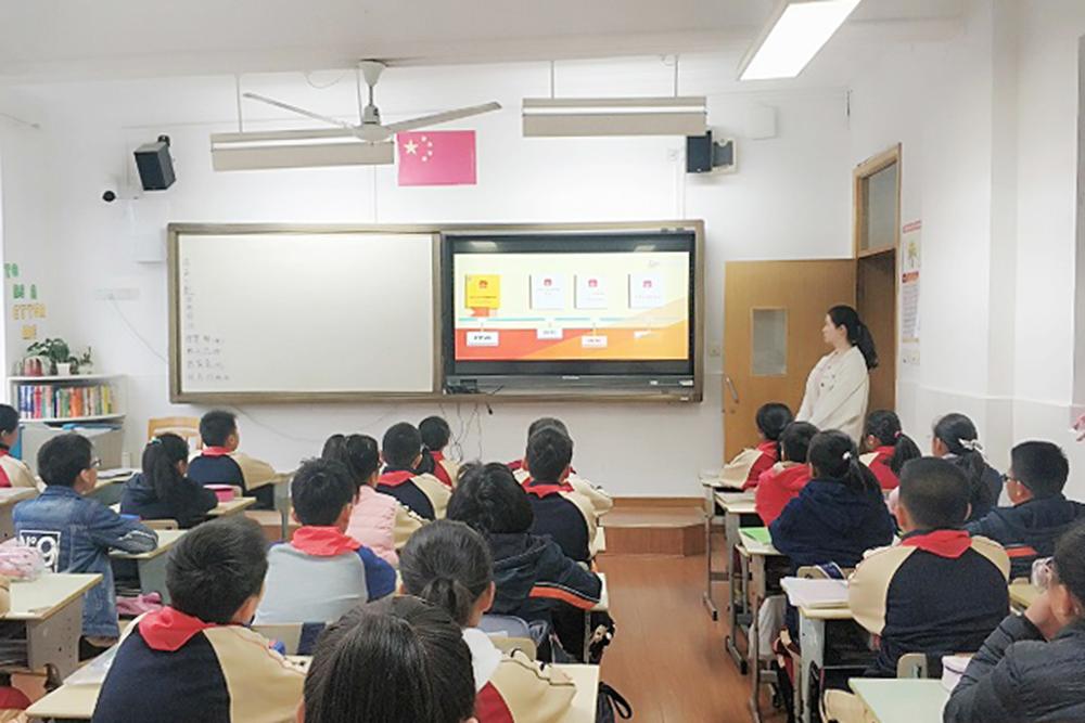 洛川学校:弘扬法制精神 推进依法治校