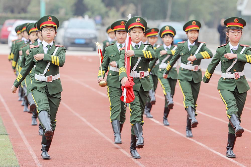 朱泾小学国旗护卫队亮相2019上海市国防教育主题活动