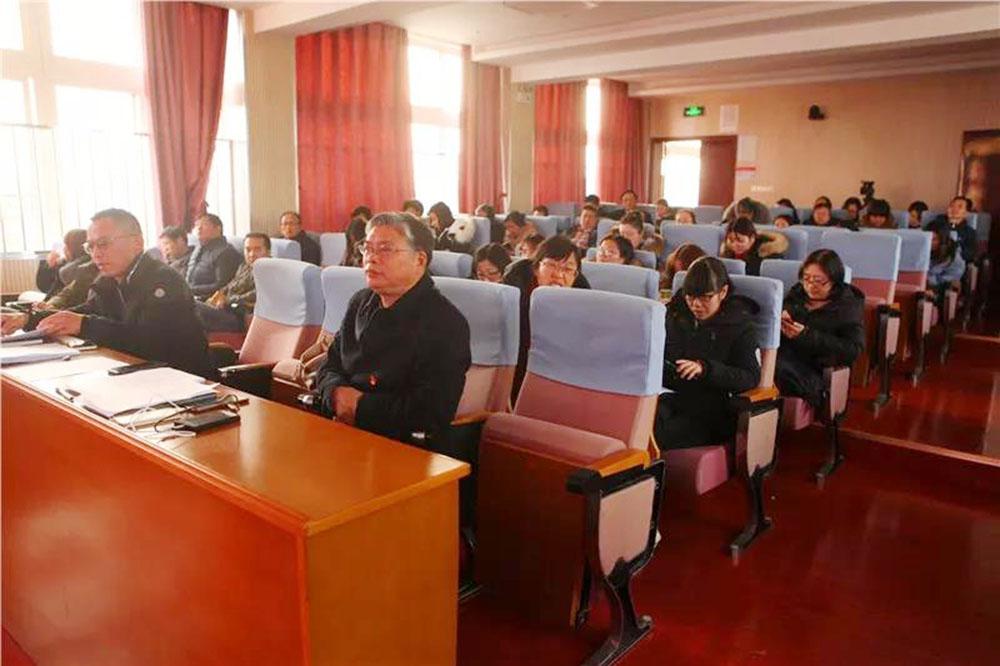 钱圩小学党支部开展基层党组织满意度测评会