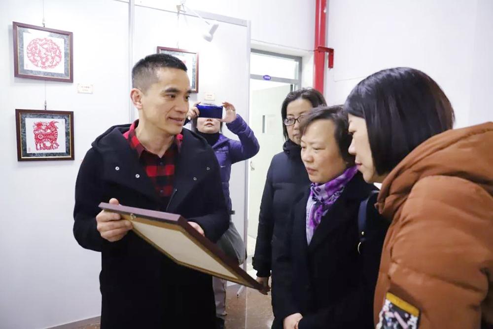 普陀区华阴小学艺术教育团队访问廊下中学