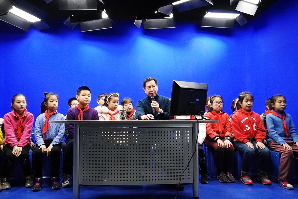 专业支招综合防控,上海开展市区两级防近培训