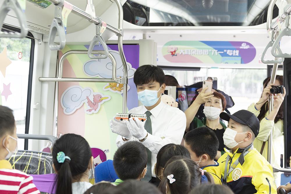 """晨才学院夏日重启,用特殊的礼物祝孩子们""""六一""""快乐"""