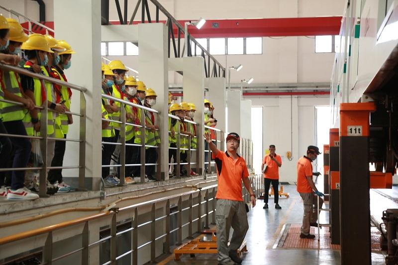 联建小学师生走进上海轨道交通12号线金桥基地