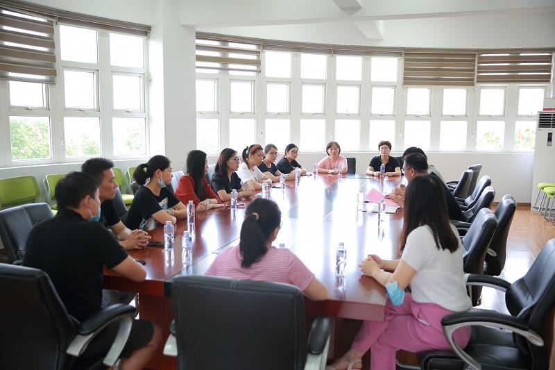 朱泾小学召开2020学年第一学期学校家委会会议