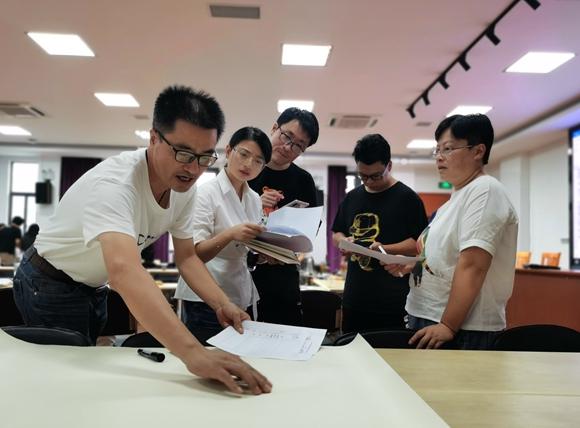 金山区小学研究型课程教研组长岗位培训在张堰小学举行