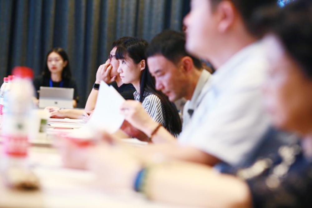 万名学生访百姓身边实事 十足功夫做一份实践考察——2020年上海初中生优秀社会考察报告征集活动锻炼学子综合素质