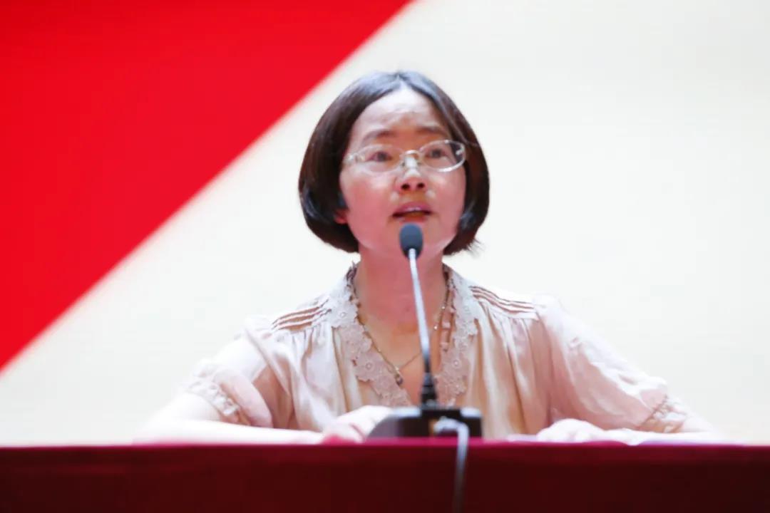 奉贤中学召开2020学年新学期全体教职工大会